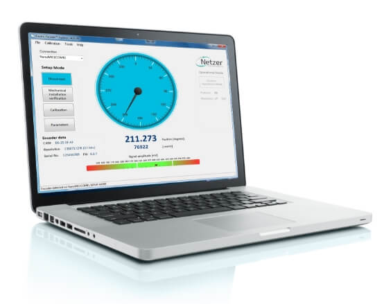 laptop with Netzer support software on the screen